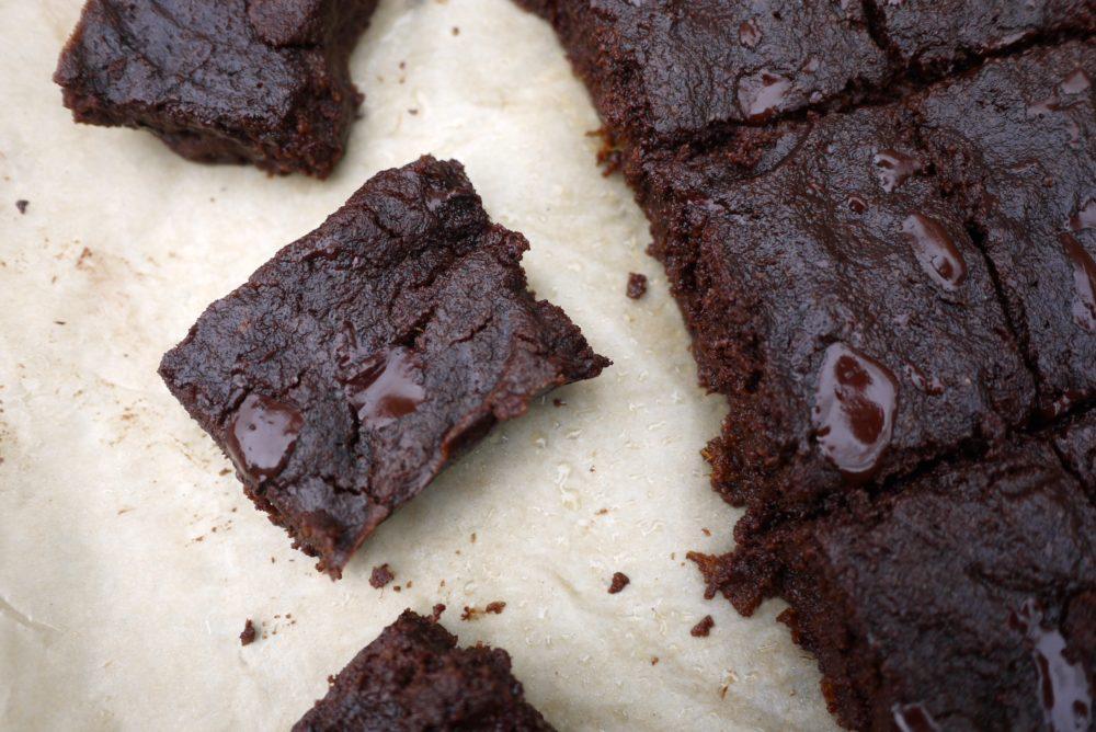paleo dark chocolate fudge brownies