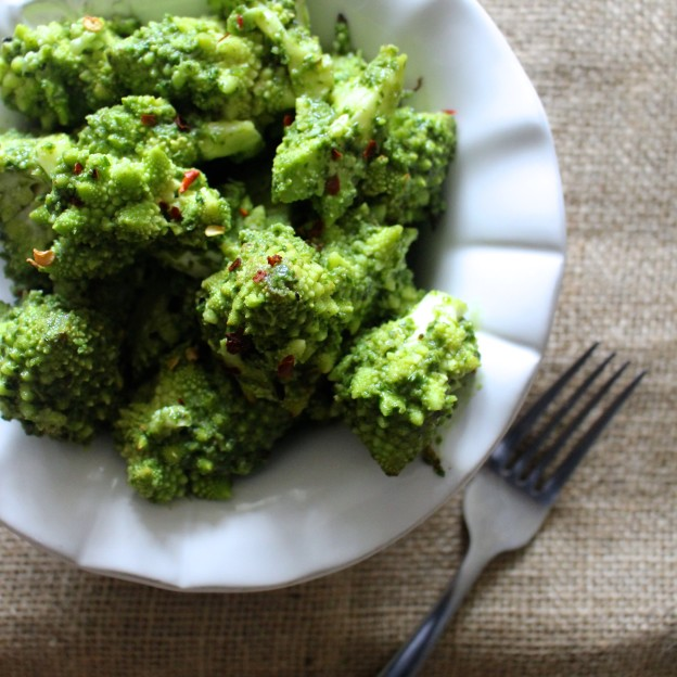 pesto cauliflower bites