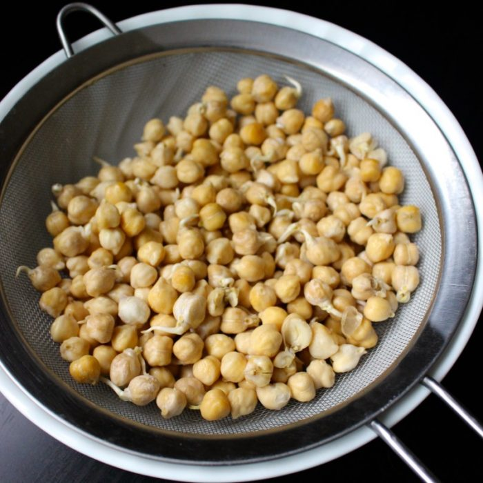 how to make hummus with garbanzo beans