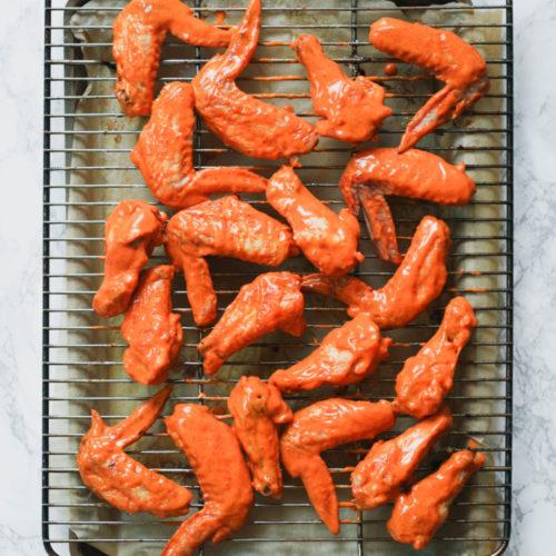 Spicy Garlic Sauce Chicken Wings (Paleo)
