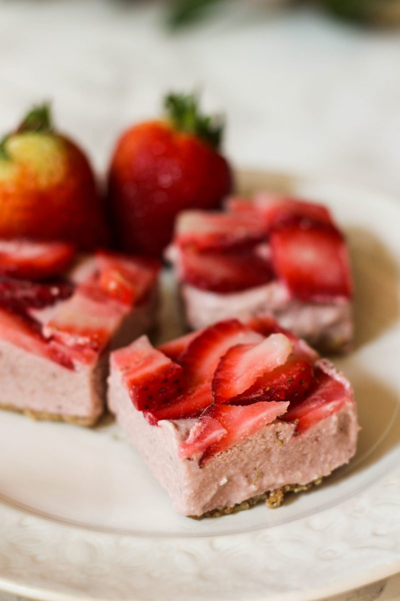 Strawberry No Bake Cheesecake Bars (Paleo, Vegan)