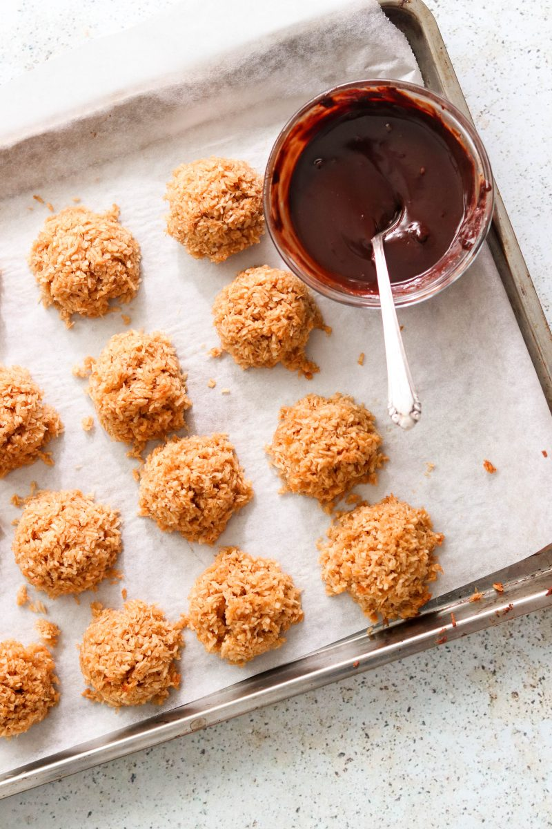 chocolate drizzled paleo coconut macaroons