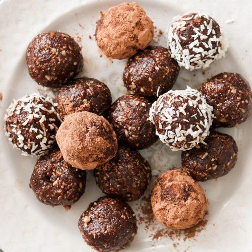 Chocolate Mushroom Paleo No Bake Energy Balls (Reishi & Chaga)