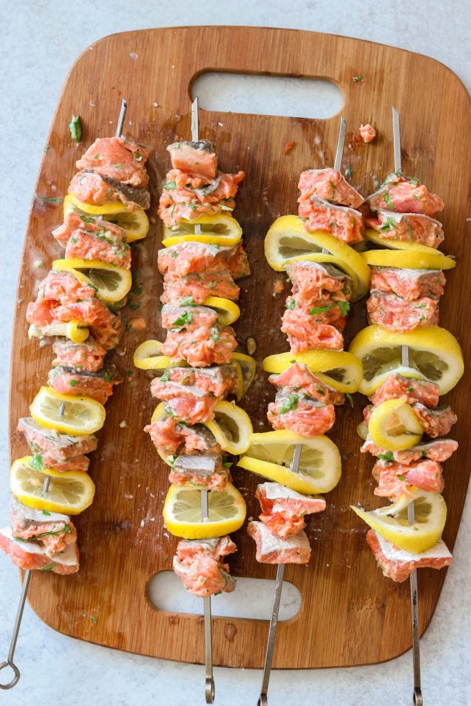 salmon kebobs before grilling