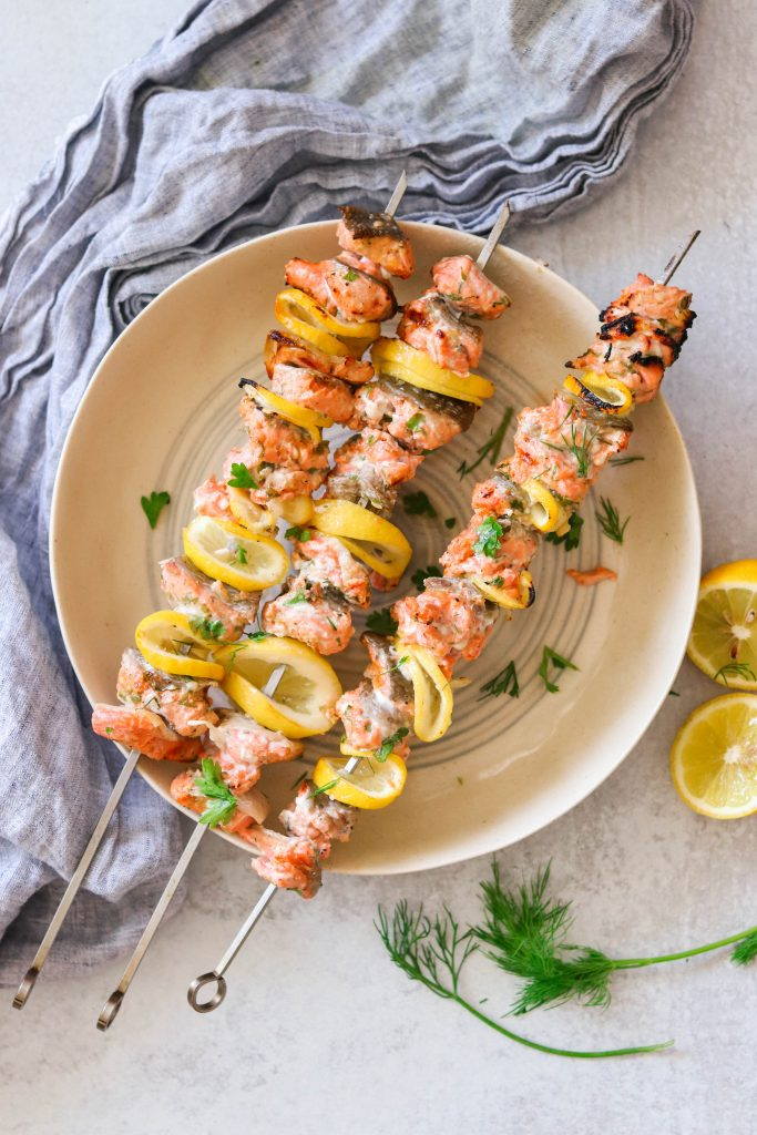 salmon kebobs grilled and plated