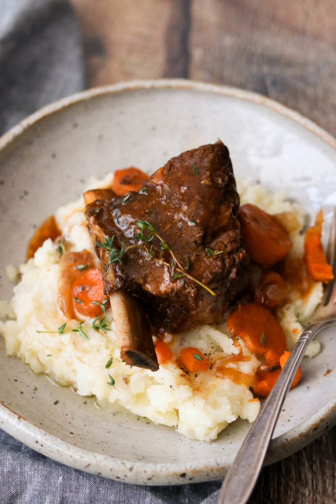 Instant pot braised short ribs over mashed potatoes