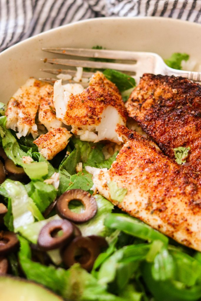 flaky whole30 tilapia