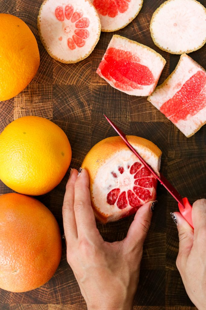 How to Cut Citrus Fruits into Round Slices