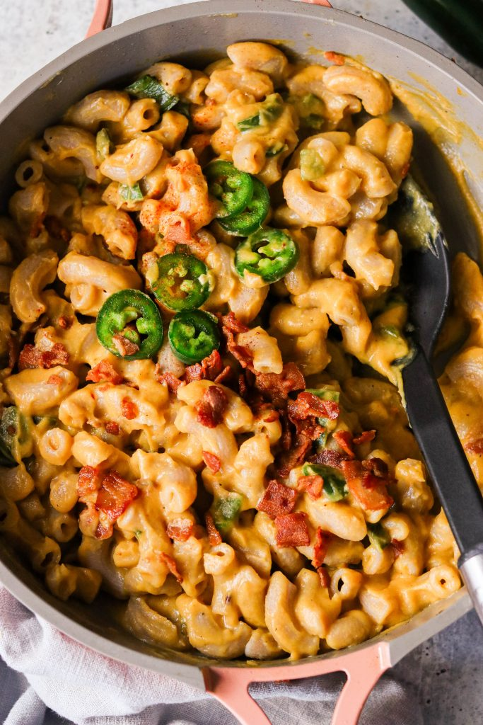 bacon jalapeño popper mac and cheese in a pan