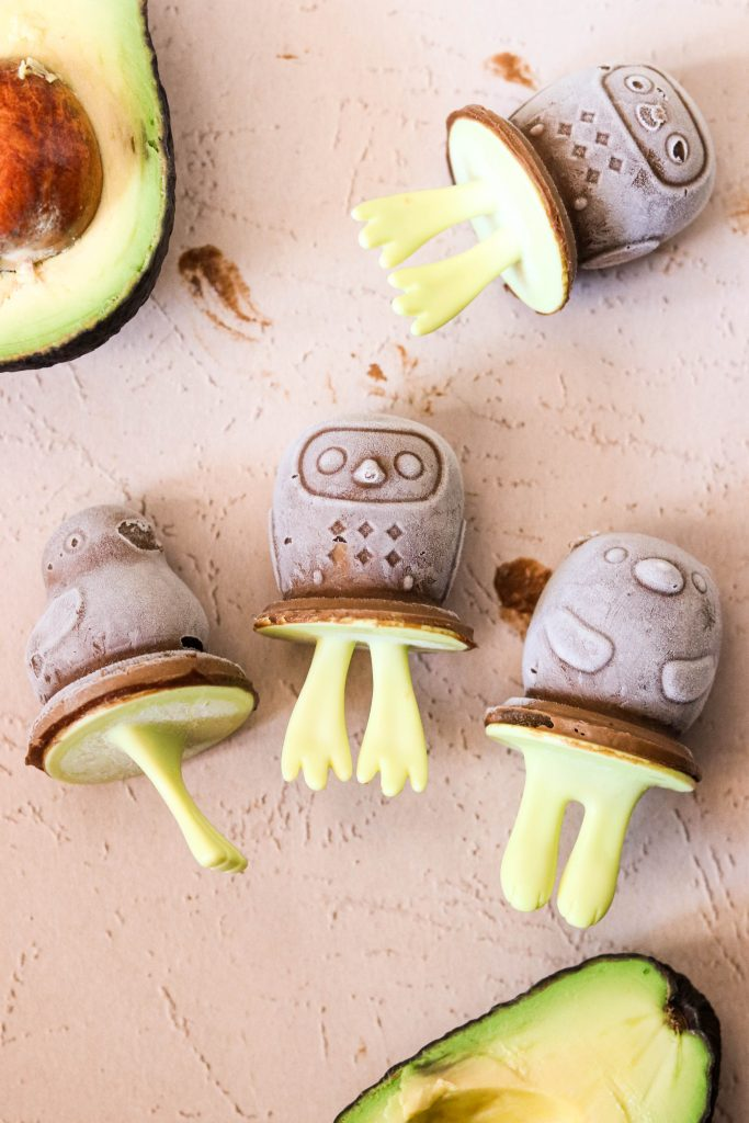 Healthy Toddler Popsicles made with bananas and avocados