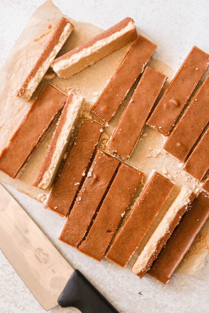 Cutting shortbread and caramel into bars